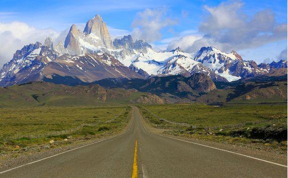 highway road into the glaciers