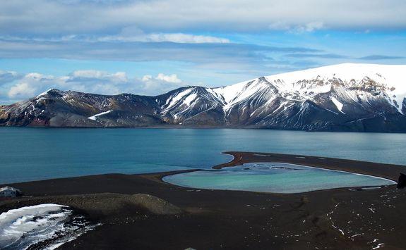 landscape volcano active