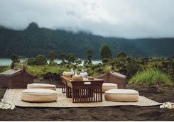 A luxurious picnic in Bali
