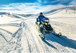 Snowmobiling during the Golden Circle Tour