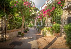 capri street