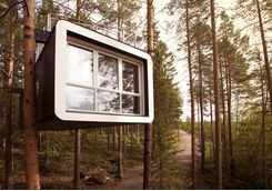 treehotel cabin exterior