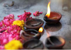 Chennai Kapaleeshwar Temple candles