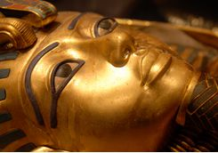 death_mask_tutankhamun_cairo