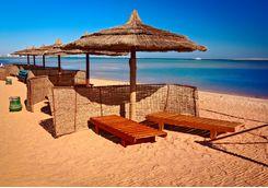 hurghada_beach_loungers