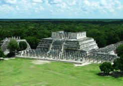 ancient mayan ruins at Chichen Itza