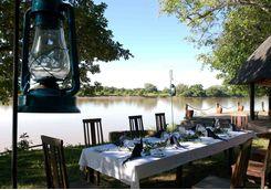 Outdoor dining at Nkwali