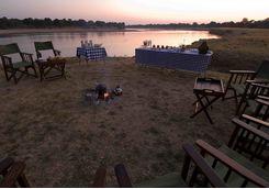 Alfresco dining at Nsefu Camp
