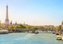 Paris' river and Eiffel tower views