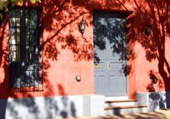 san antonio de areco red building