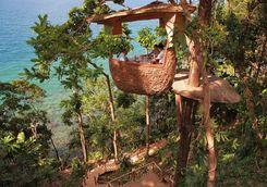 The dining tree pod at Soneva Kiri