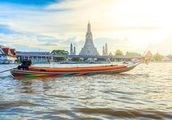Wat Arun day river boat