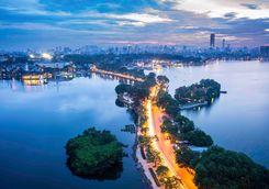 Hanoi bridge at night
