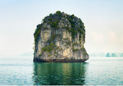 halong bay rock