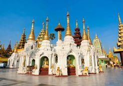Stupas Shwedagon pagoda