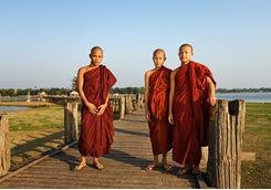 Buddhist monks on the U Bein bridge