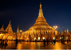 Shwedagon Pagoda at night