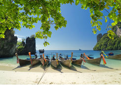 thai long boats