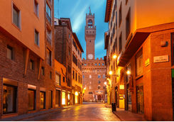 palazzo vecchio in the morning in florence