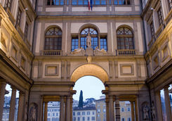 uffizi gallery in morning