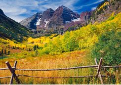 Maroon bells with autumn Aspen trees