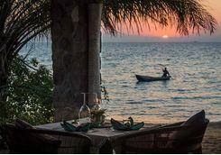 Kaya Mawa lakeside dining