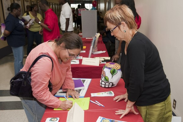 Students sign up to volunteer with area nonprofits during Student Involvement Day 2012.