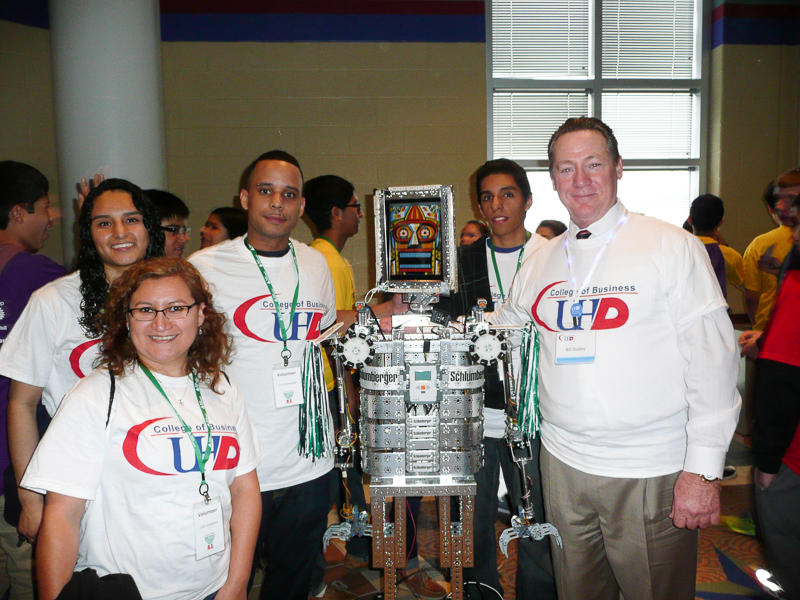 UHD volunteers with the Schlumberger robot.