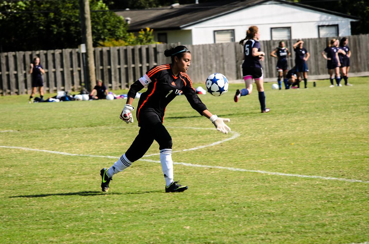 Goalie Ana Diaz