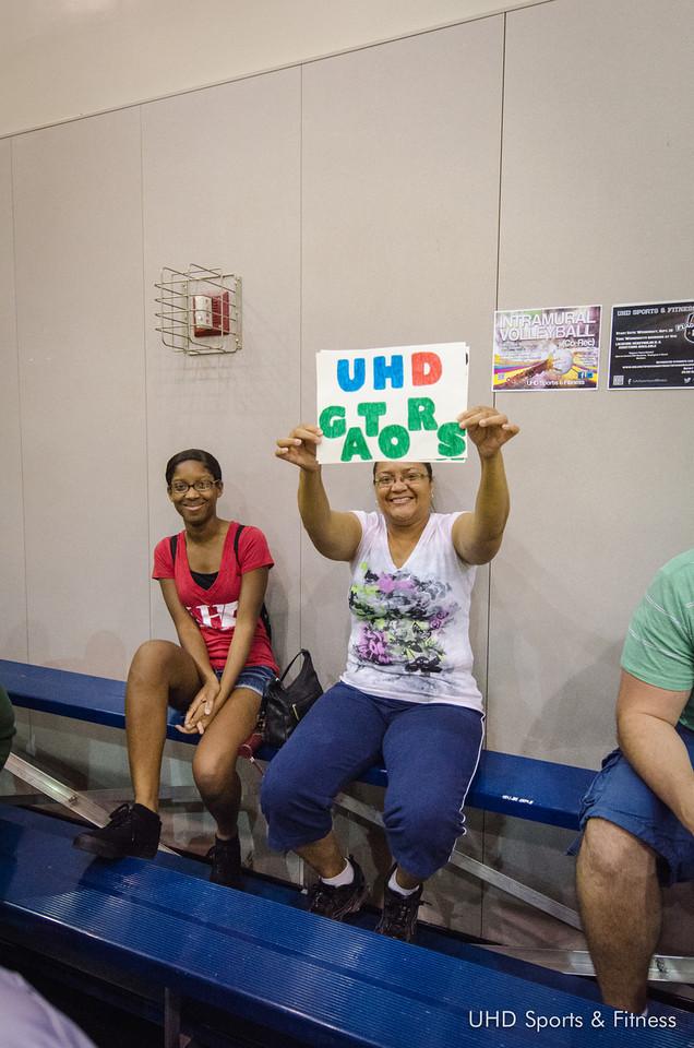 UHD Gator fans