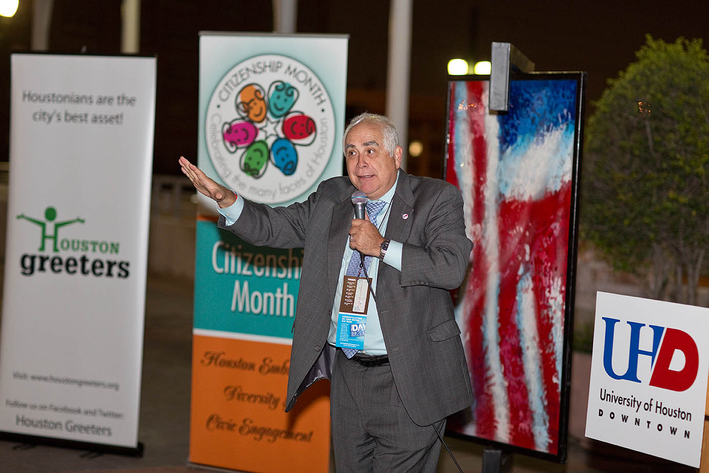 UHD hosted an opening reception with speeches by Dr. Flores and Metro for the 2nd annual Rails to Restaurants event.