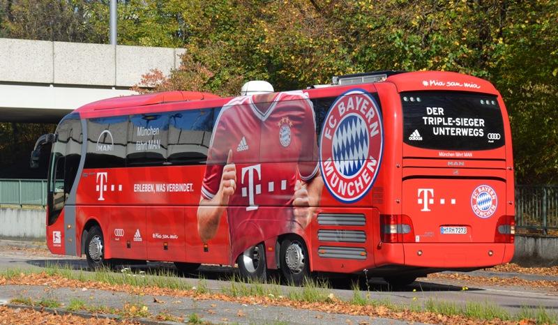 FC Bayern Team-Bus