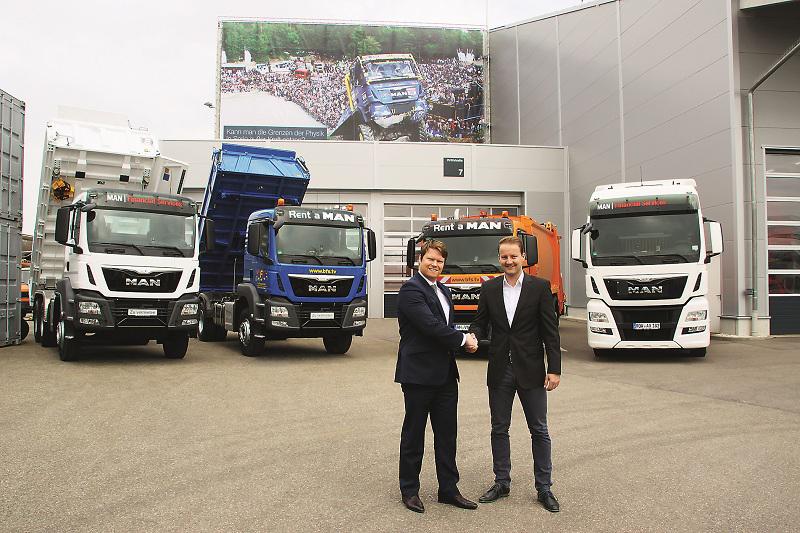 Dr. Matthias Szupories (links), Vertriebsleiter von MAN FS Rental und Jan Plieninger, Geschäftsführer BFS haben eine engere Zusammenarbeit im Vermietgeschäft vereinbart.