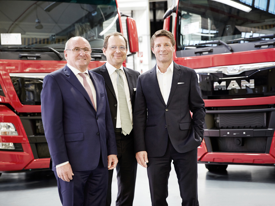 Rudolf Ebner, Geschäftsführer der TRS Truck Rent and Sale, Rodolphe Schoettel, Chief Financial Officer, und Christian Fürstaller, Chief Executive Officer  (v.l.n.r.)