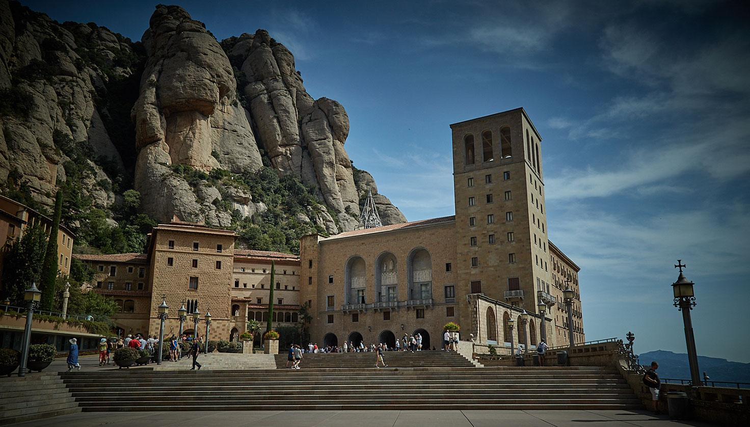 Photo Santa Maria de Montserrat Abbey