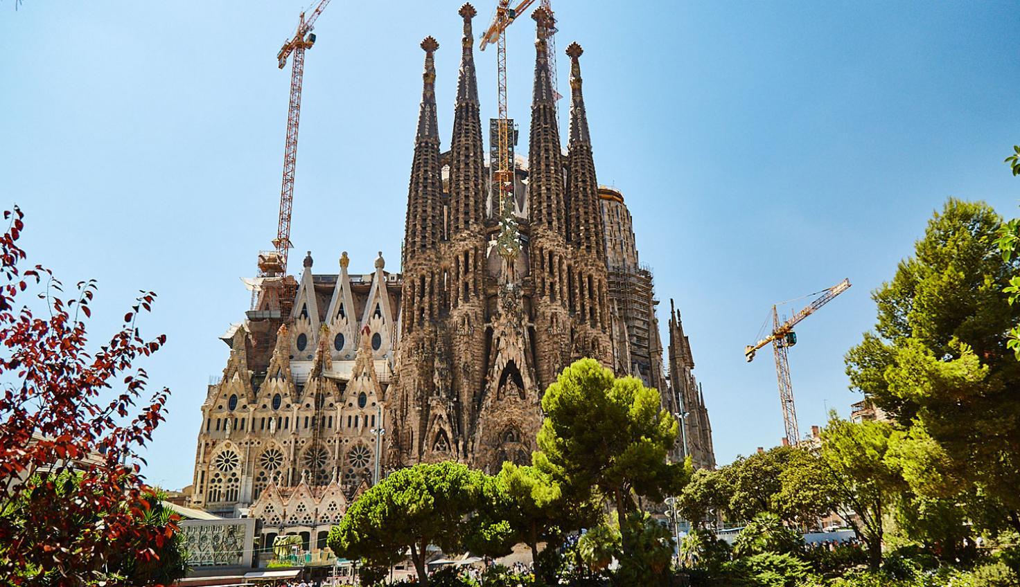 Basilica De La Sagrada Familia Barcelona Bus Turistic