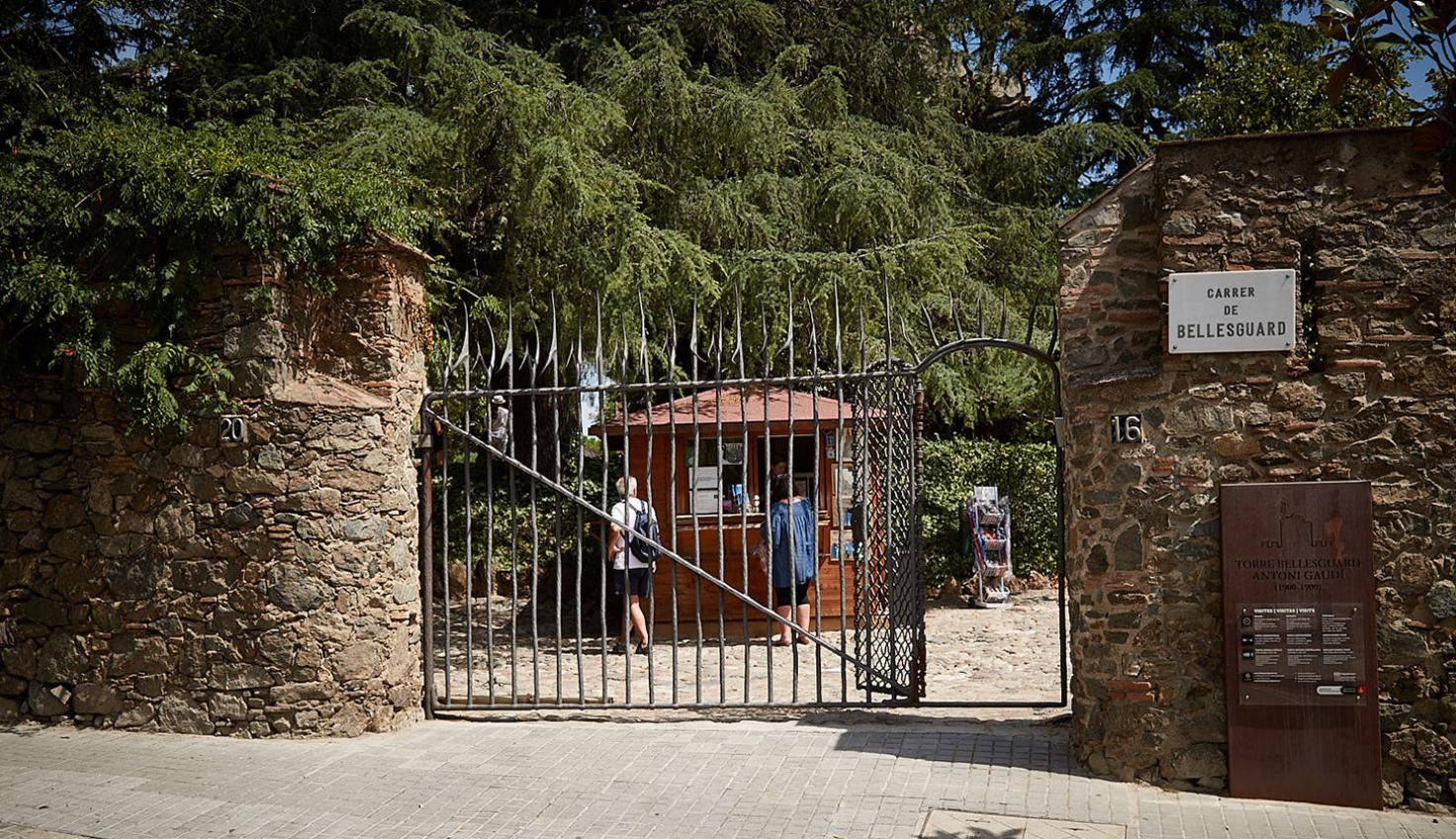 Photo Casa Figueres - Gaudí