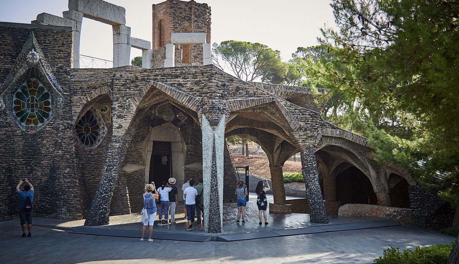 Foto Colonia Güell y cripta Gaudí