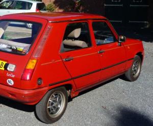 Nieuwe Renault zou wat kenmerken van de 5 hebben