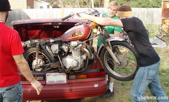 Hoe je motor vervoeren?