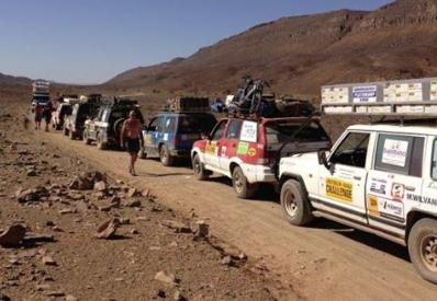 Ruth en Hans richting Dakar in de Nissan Patrol