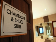 Champagne & Shoes Suite