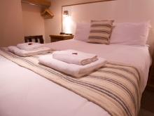Double Room in Ferry Inn