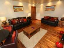 Serviced Apartment Twin