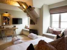 Room 3 - King Size En-suite (Estuary View)