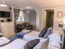 Luxury Twin Suite