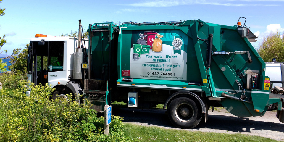 How good are the UK's councils at explaining their recycling systems?