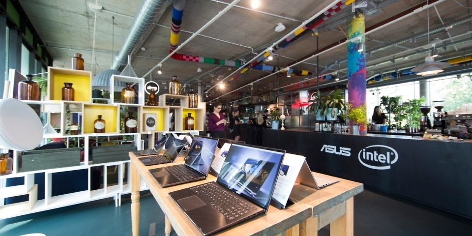 Laptop innovations from Lenovo, Dell, Asus and Acer aim to topple Apple's Macbook Air
