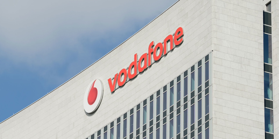Vodafone broadband adverts banned over 'speed guarantee'