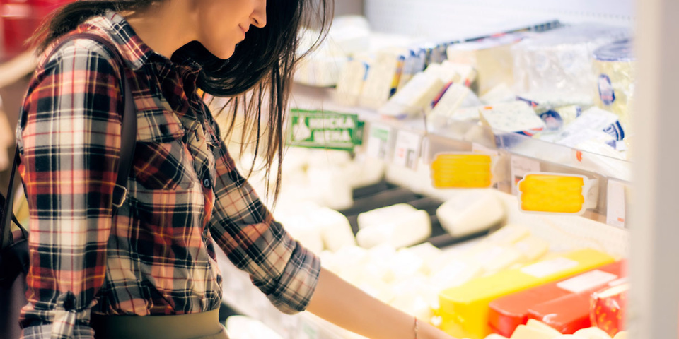 Where could you buy the cheapest groceries in December?